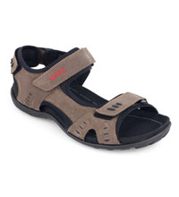 Supportive technical sandal.