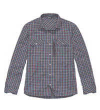 Technical shirt for outdoors and everyday.
