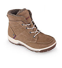 Warm, water-repellent winter boot.