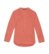 Versatile and stylish travel shirt.